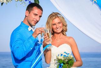 Alina's and Alexander's beach wedding ceremony
