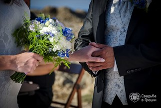 Sunny symbolic wedding ceremony of Ludmila and Denis