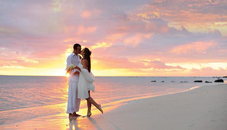 16392-destination-wedding-on-beach.jpg