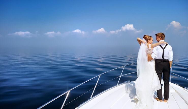Свадьба на яхте на Санторини