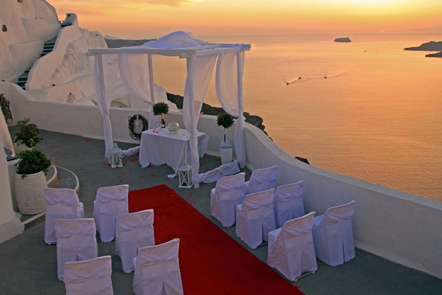 A wedding ceremony in the Villa Irini