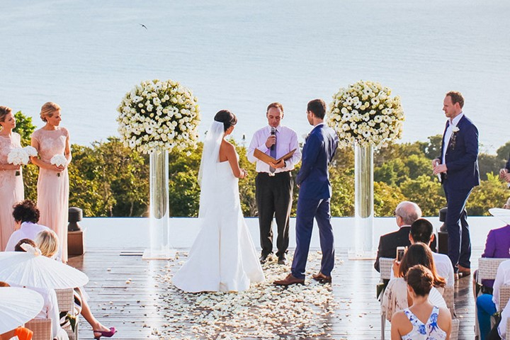 A luxury wedding at the seaside on Peloponesse, Peloponnisos