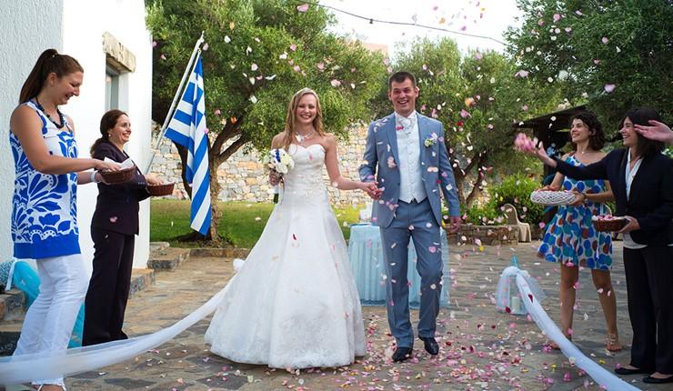 Oфициальное бракосочетание в отеле на Крите