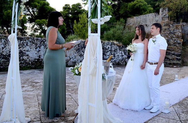A civil wedding on the island of Zakynthos