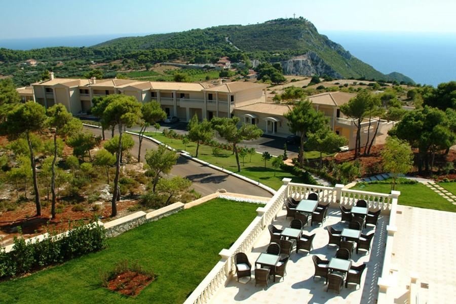 A civil wedding in the hotel of Zakynthos