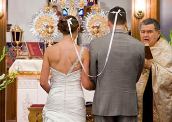 A wedding in the Church of Panagia Chrysopigi