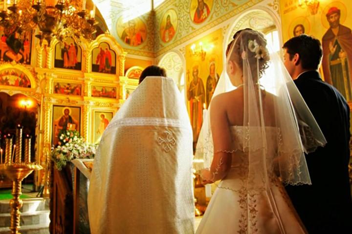 A wedding in the Church of Agia Mavra, Zakynthos