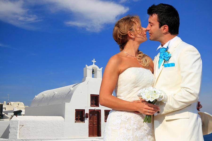 A church wedding on Santorini