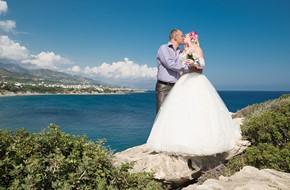 Natalia's and Andrey's symbolic beach wedding