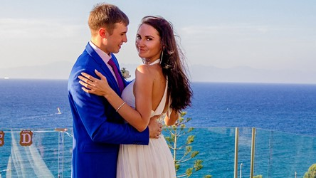 Anastasia's and Nikolay's ceremony in sea-inspired style on Rhodes
