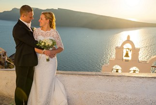 Romantic getaway wedding ceremony of Oxana and Sergey on Santorini
