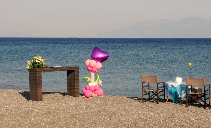 Символическая пляжная церемония на острове Кос