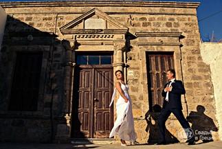 """""""Коралловая"""" свадебная церемония Людмилы и Алексея на Родосе"""