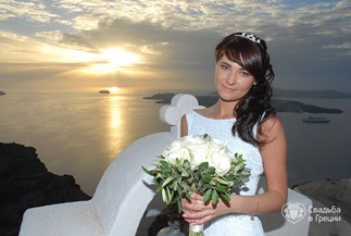 Irina's and Sergey's symbolic ceremony on Santorini