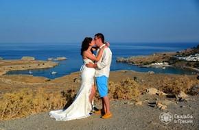 Символическая церемония Тамары и Сергея в бело-голубом цвете