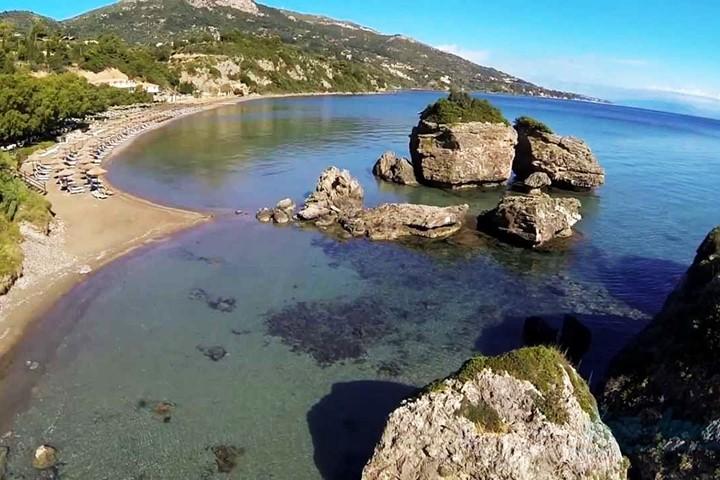 Пляж Porto Zorro, Закинфос