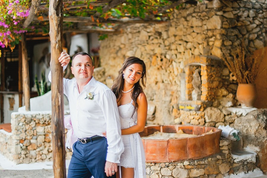 Wedding at a vineyard on Crete