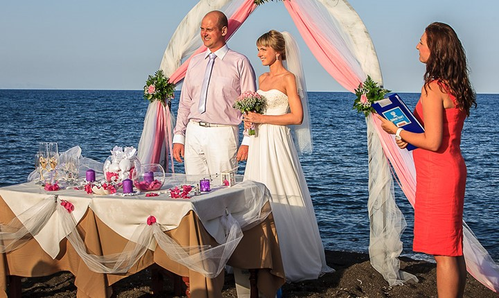 A wedding by the sea on the island of Santorini