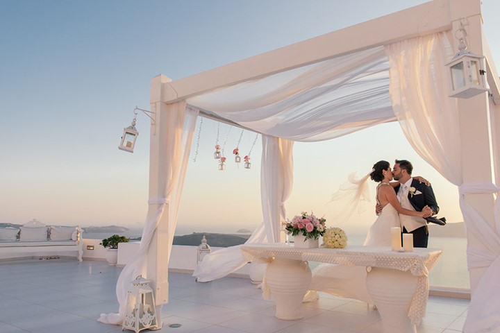 A luxury wedding at the seaside on the island of Santorini, Santorini