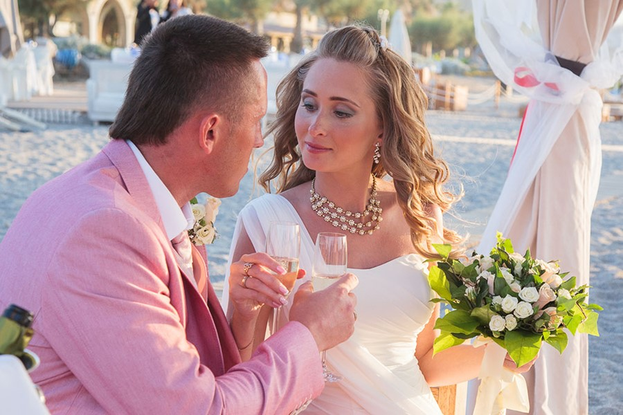 Civil wedding on the island of Crete