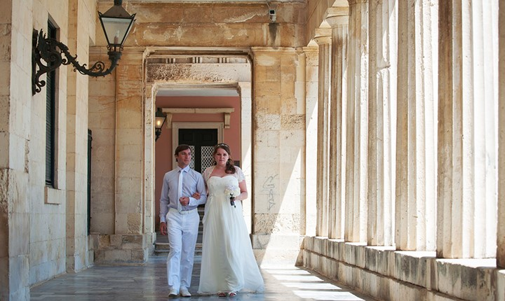A civil wedding on Corfu