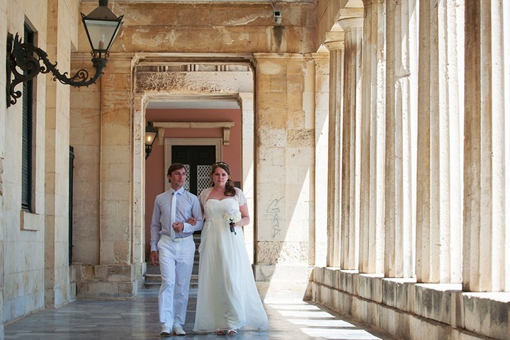 A civil wedding on Corfu