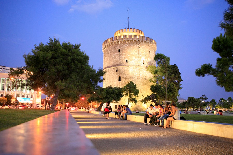 A civil wedding in Thessaloniki
