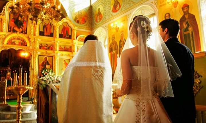 A wedding in the Church of Agia Mavra