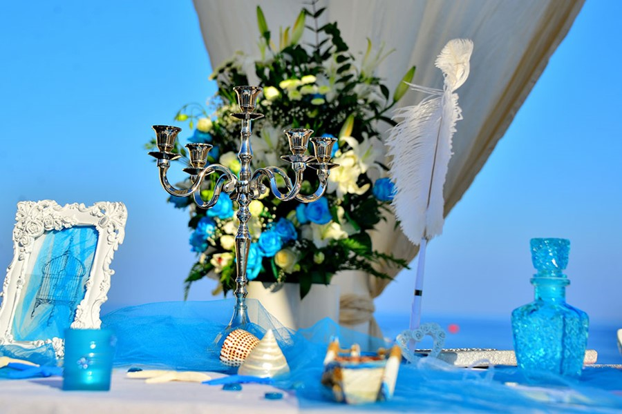 A wedding on a yacht on the island of Santorini