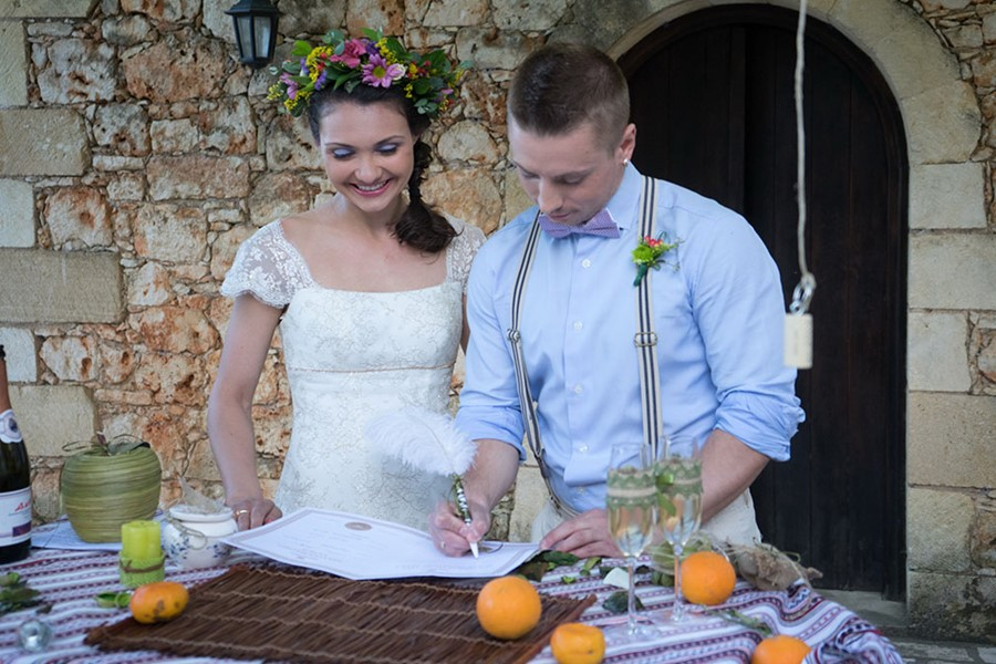 A civil wedding on the island of Cameo